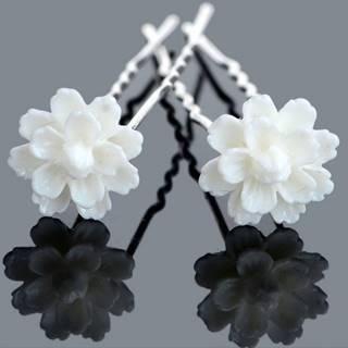 Vlásenka White Flower
