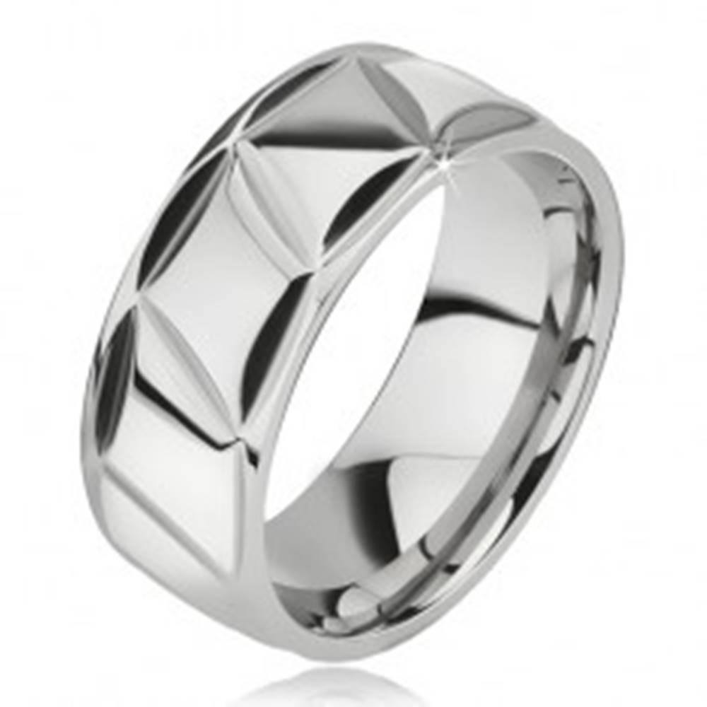 Šperky eshop Prsteň z chirurgickej ocele, lesklý, kosodĺžnikový vzor - Veľkosť: 57 mm