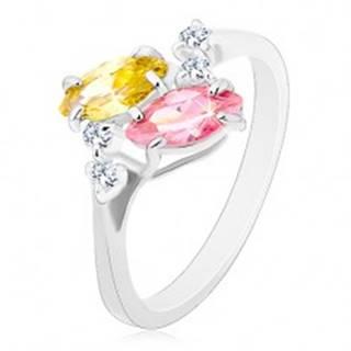 Prsteň v striebornom odtieni, ružové a žlté zirkónové zrnká, číre zirkóniky - Veľkosť: 56 mm