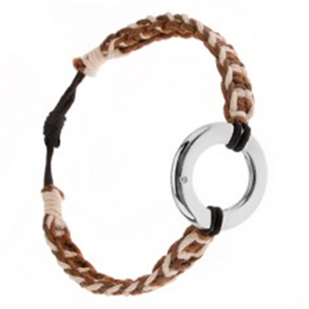 Šperky eshop Náramok z bielych, orieškových a gaštanových šnúrok, kruhový prívesok