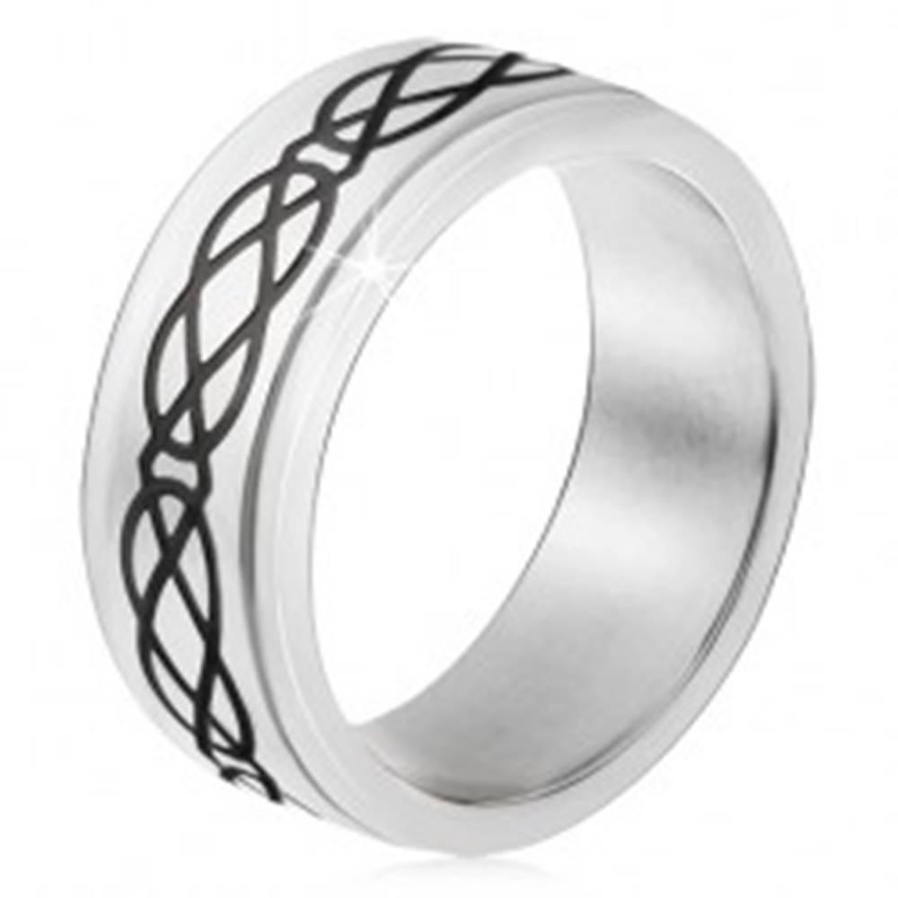 Šperky eshop Obrúčka z ocele 316L, lesklý čierny ornament so sĺz a kosoštvorcov - Veľkosť: 54 mm