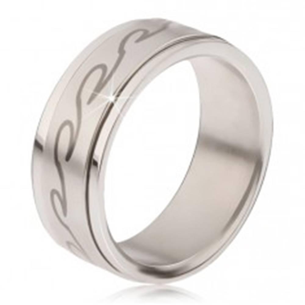 Šperky eshop Prsteň z chirurgickej ocele - matná točiaca sa obruč, potlač zaoblených vĺn - Veľkosť: 57 mm