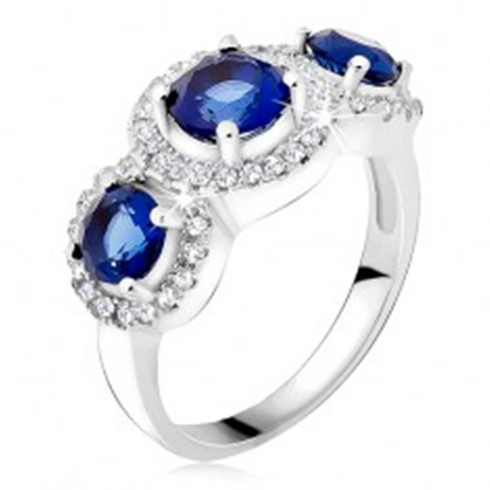 Šperky eshop Prsteň zo striebra 925, zirkónové kruhy, tri modré kamienky - Veľkosť: 49 mm