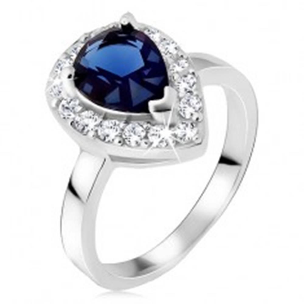 Šperky eshop Strieborný prsteň 925, modrý slzičkový kameň so zirkónovým lemom - Veľkosť: 49 mm