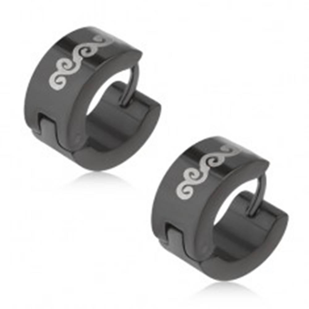 Šperky eshop Lesklé čierne kruhové náušnice z ocele, motív vĺn striebornej farby