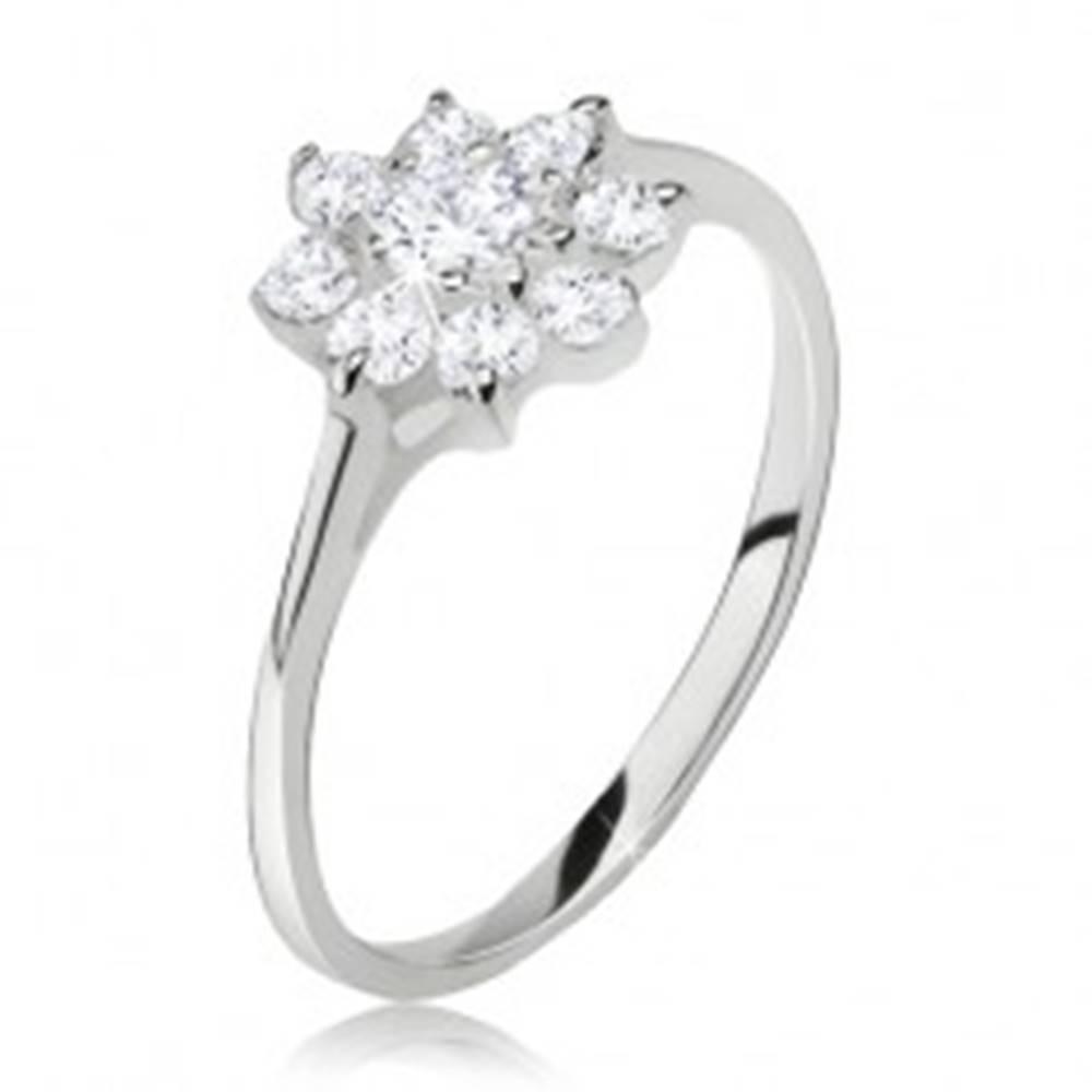 Šperky eshop Prsteň zo striebra 925, kvet z čírych brúsených kamienkov - Veľkosť: 49 mm