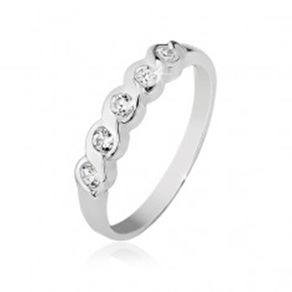 Šperky eshop Prsteň zo striebra 925 so vsadenými piatimi čírymi kamienkami - Veľkosť: 48 mm