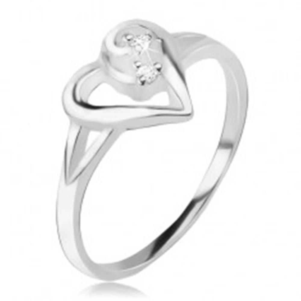 Šperky eshop Srdiečkový prsteň, obrys asymetrického srdca, číre kamienky, striebro 925 - Veľkosť: 49 mm