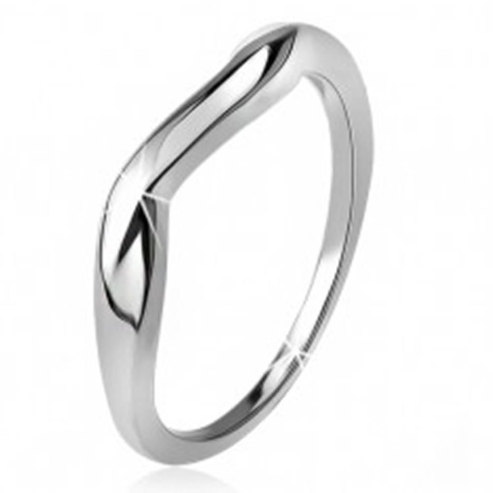 Šperky eshop Zvlnený prsteň, hladké ramená, vlna, striebro 925 - Veľkosť: 49 mm