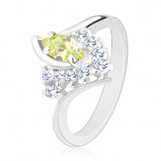 Ligotavý prsteň, zahnuté konce ramien, svetlozelené zrnko, číre zirkóniky - Veľkosť: 59 mm