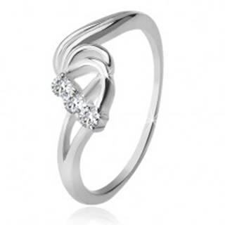 Strieborný prsteň 925, tri číre zirkóny, rozbúrené vlny - Veľkosť: 49 mm