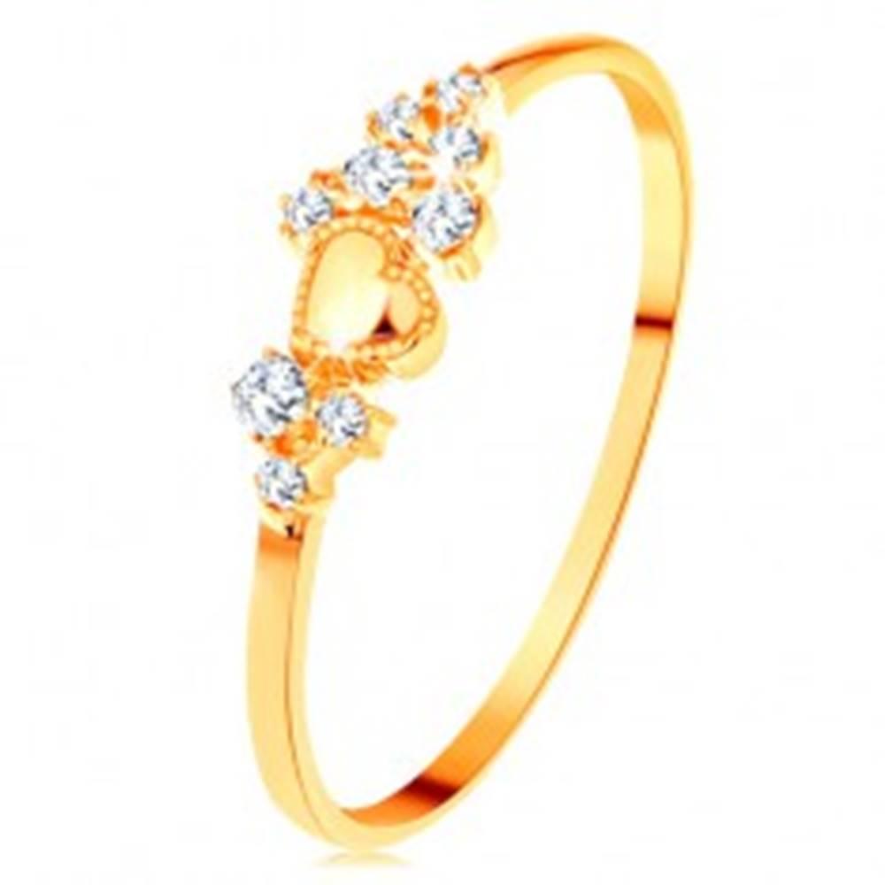 Šperky eshop Prsteň v žltom 14K zlate - drobné číre zirkóny a lesklé vypuklé srdiečko - Veľkosť: 49 mm
