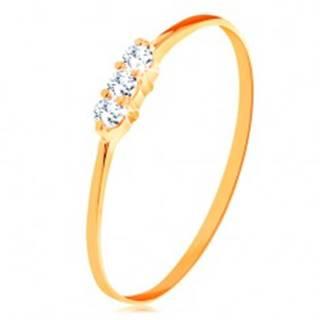Prsteň v žltom zlate 585 - tenké lesklé ramená, línia troch čírych zirkónikov - Veľkosť: 49 mm