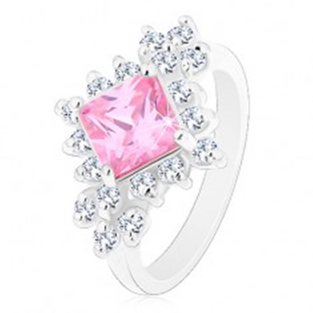 Šperky eshop Ligotavý prsteň, ružový zirkónový štvorec lemovaný okrúhlymi čírymi zirkónmi - Veľkosť: 48 mm