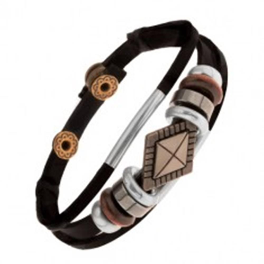 Šperky eshop Náramok z čiernych kožených pásov s korálkami z kovu a dreva, kosoštvorec