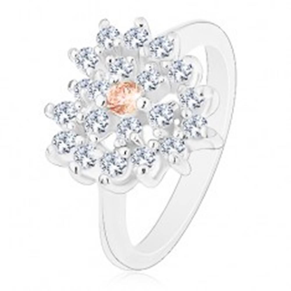 Šperky eshop Prsteň v striebornom odtieni, číre zirkónové srdce s oranžovým stredom - Veľkosť: 50 mm