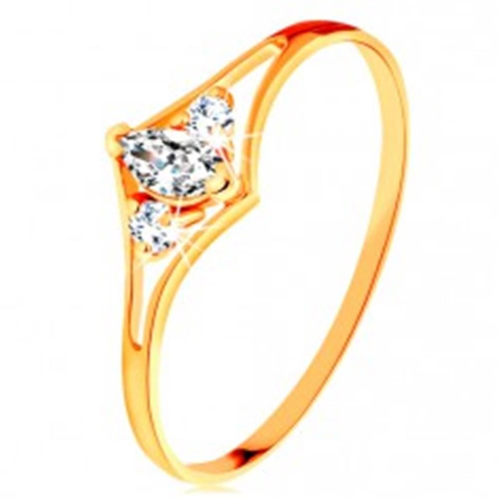 Šperky eshop Prsteň zo žltého 14K zlata - rozdvojené ramená, tri číre zirkóny - Veľkosť: 49 mm