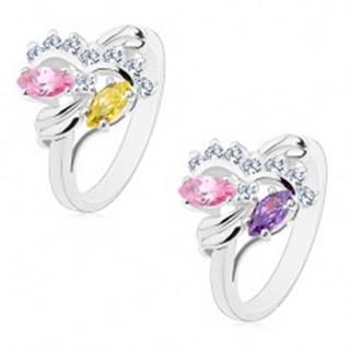 Prsteň striebornej farby, dva farebné zrnkové zirkóny, číre oblúky - Veľkosť: 48 mm, Farba: Ružovo-fialová