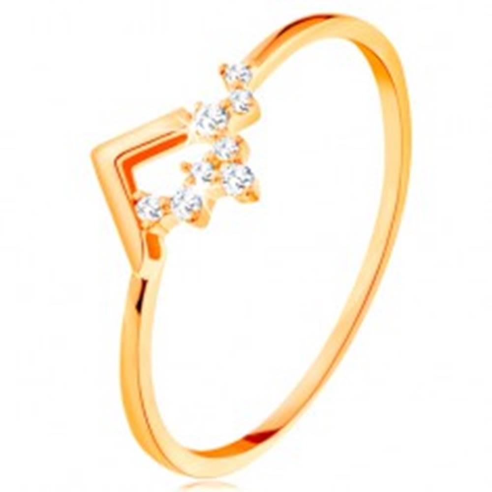 Šperky eshop Ligotavý zlatý prsteň 585 - lesklý zalomený pás, drobné číre zirkóniky - Veľkosť: 49 mm
