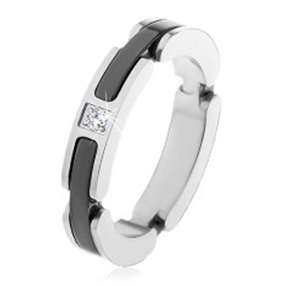 Šperky eshop Oceľový prsteň striebornej farby, výrezy s keramickými pásmi, číry zirkón - Veľkosť: 50 mm