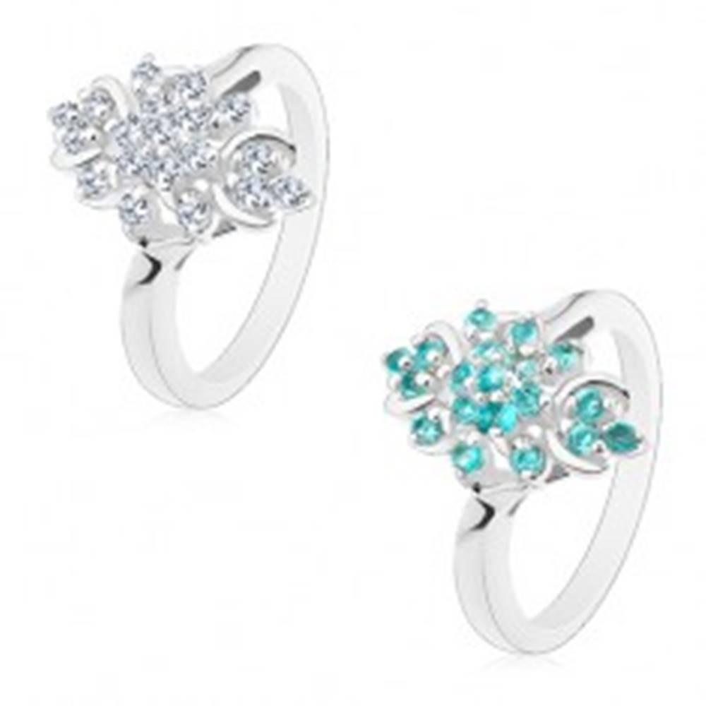 Šperky eshop Prsteň s lesklými ramenami, trblietavý podlhovastý kvet z okrúhlych zirkónov - Veľkosť: 49 mm, Farba: Číra