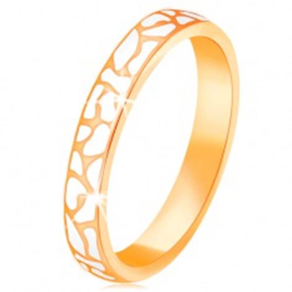 Šperky eshop Prsteň zo žltého 14K zlata - nepravidelné škvrny z bielej glazúry - Veľkosť: 52 mm