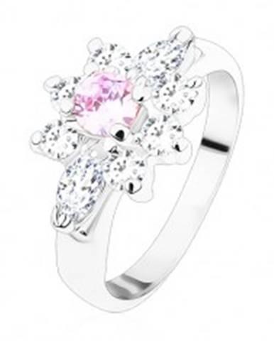 Prsteň v striebornom odtieni, žiarivý kvietok zo zirkónov čírej a svetlofialovej farby - Veľkosť: 49 mm