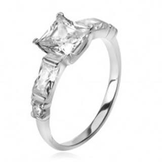 Strieborný 925 prsteň, štvorcový zirkón, štyri menšie kamene v ramenách - Veľkosť: 49 mm