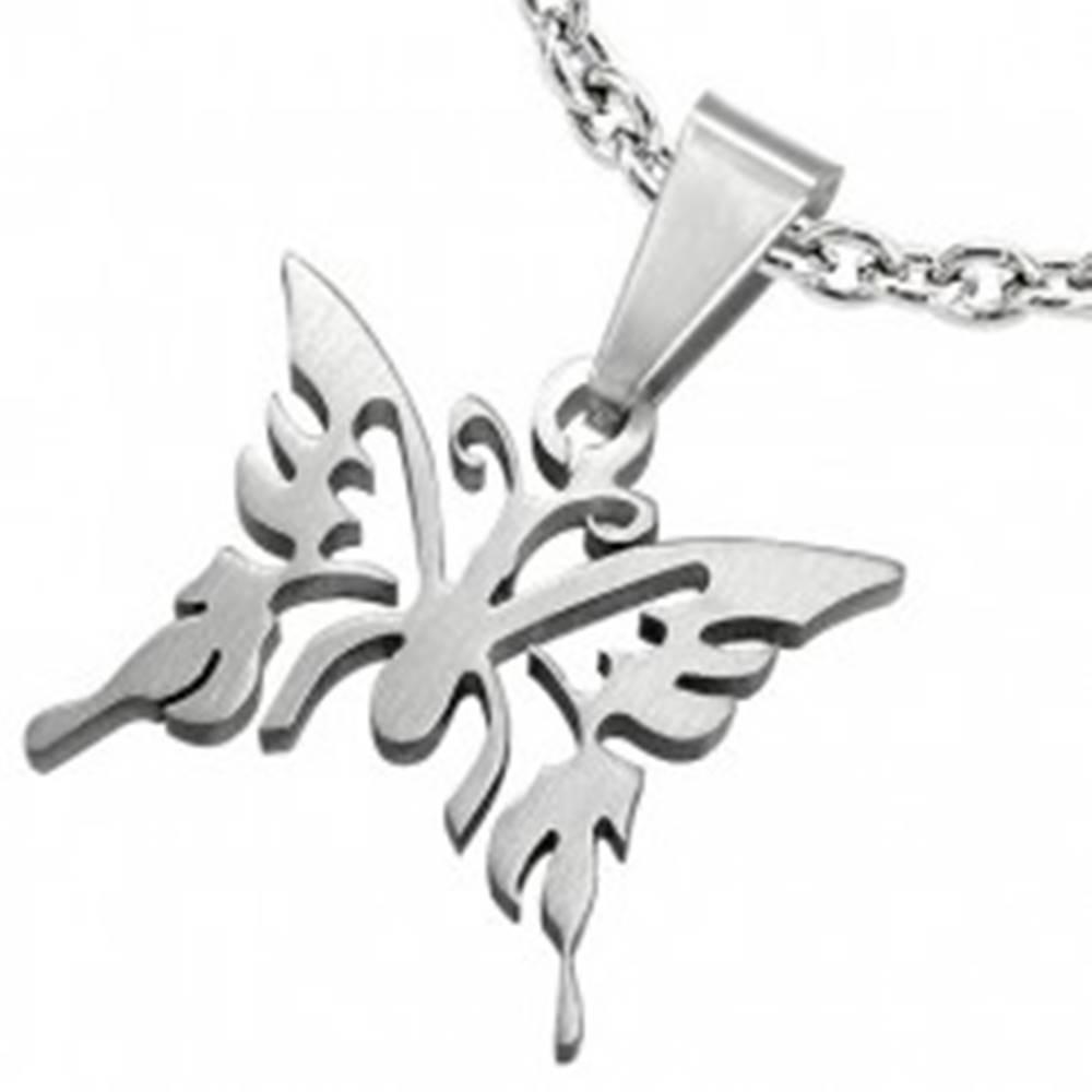 Šperky eshop Prívesok z chirurgickej ocele, lesklý vyrezávaný motýľ, strieborná farba