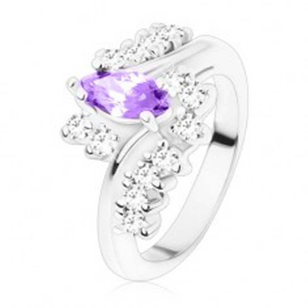 Šperky eshop Prsteň so strieborným odtieňom, tmavofialové brúsené zrno, zirkónové číre línie - Veľkosť: 49 mm