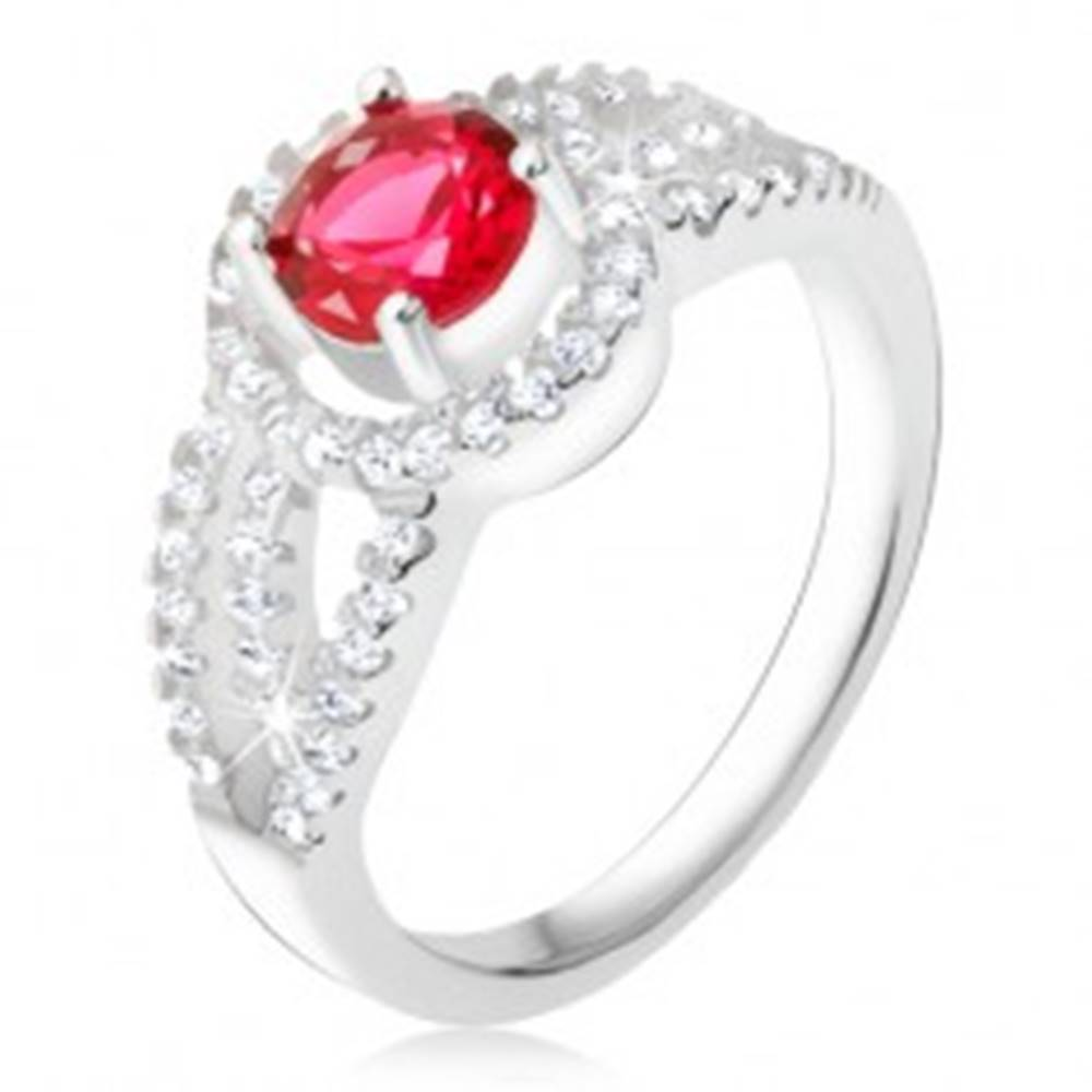 Šperky eshop Prsteň striebro 925, červený kameň so zirkónovým rámom, oblé línie - Veľkosť: 49 mm