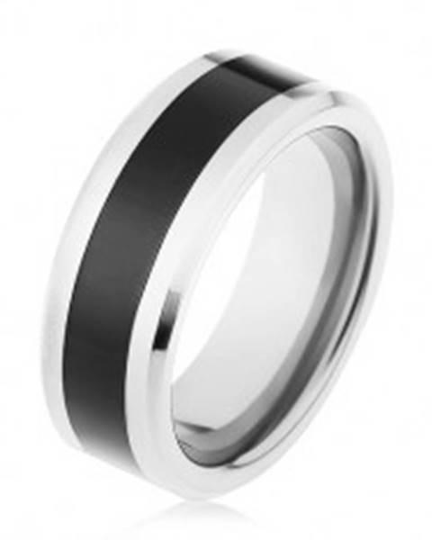 Šperky eshop Lesklá obrúčka z wolfrámu, dvojfarebné prevedenie, čierny pás, skosené hrany - Veľkosť: 49 mm