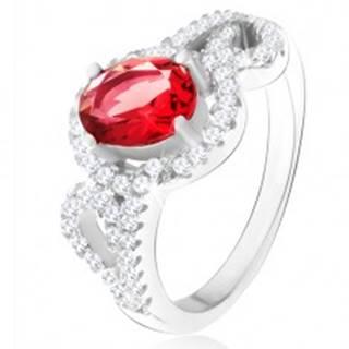 Prsteň s oválnym červeným zirkónom, polovice obrysov sŕdc, striebro 925 - Veľkosť: 50 mm