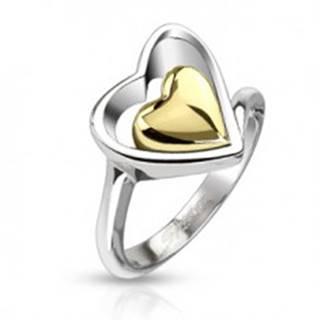 Prsteň z chirurgickej ocele - kontúra srdca a srdce zlatej farby uprostred - Veľkosť: 49 mm