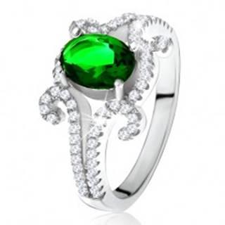 Prsteň zo striebra 925, oválny zelený kameň, zatočené zirkónové ramená - Veľkosť: 50 mm