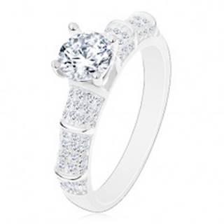 Strieborný 925 prsteň, trblietavé ramená, vyvýšený okrúhly zirkón čírej farby - Veľkosť: 50 mm
