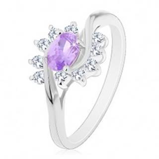 Trblietavý prsteň v striebornej farbe, svetlofialový oválny zirkón, číre oblúky - Veľkosť: 49 mm