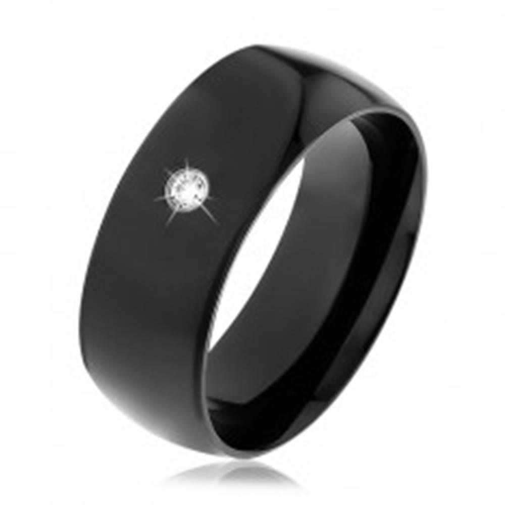 Šperky eshop Čierna oceľová obrúčka, lesklý vypuklý povrch, okrúhly číry zirkón - Veľkosť: 56 mm
