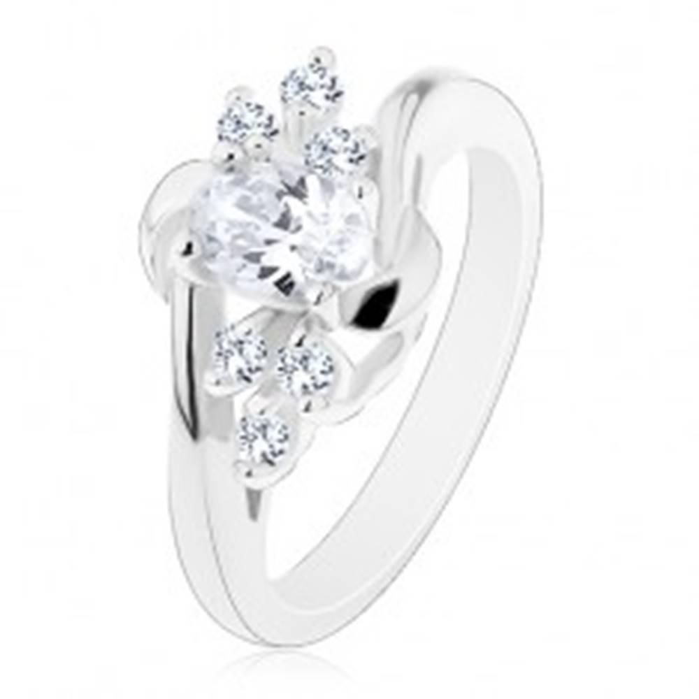 Šperky eshop Lesklý prsteň so zahnutými ramenami, číry ovál, ligotavé číre zirkóniky, oblúčiky - Veľkosť: 49 mm