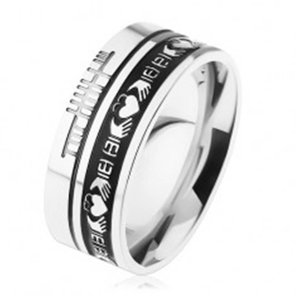 Šperky eshop Prsteň z ocele 316L, strieborná farba, čierny pruh, ornamenty, 8 mm - Veľkosť: 54 mm