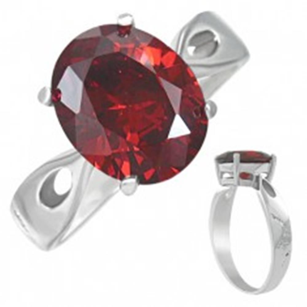 """Šperky eshop Prsteň z ocele - červený mesačný kameň """"Január"""", slzičkové výrezy - Veľkosť: 50 mm"""