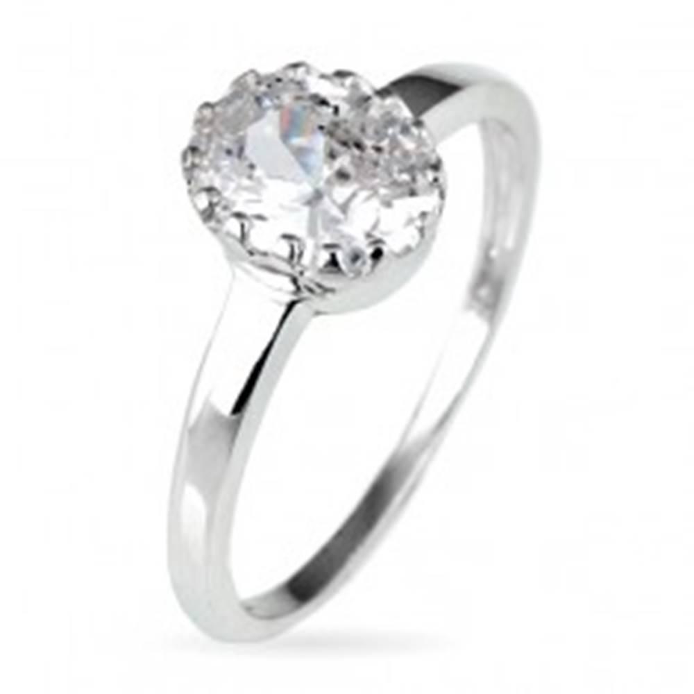 Šperky eshop Snubný prsteň zo striebra 925 - oválny zirkón v korunke - Veľkosť: 50 mm