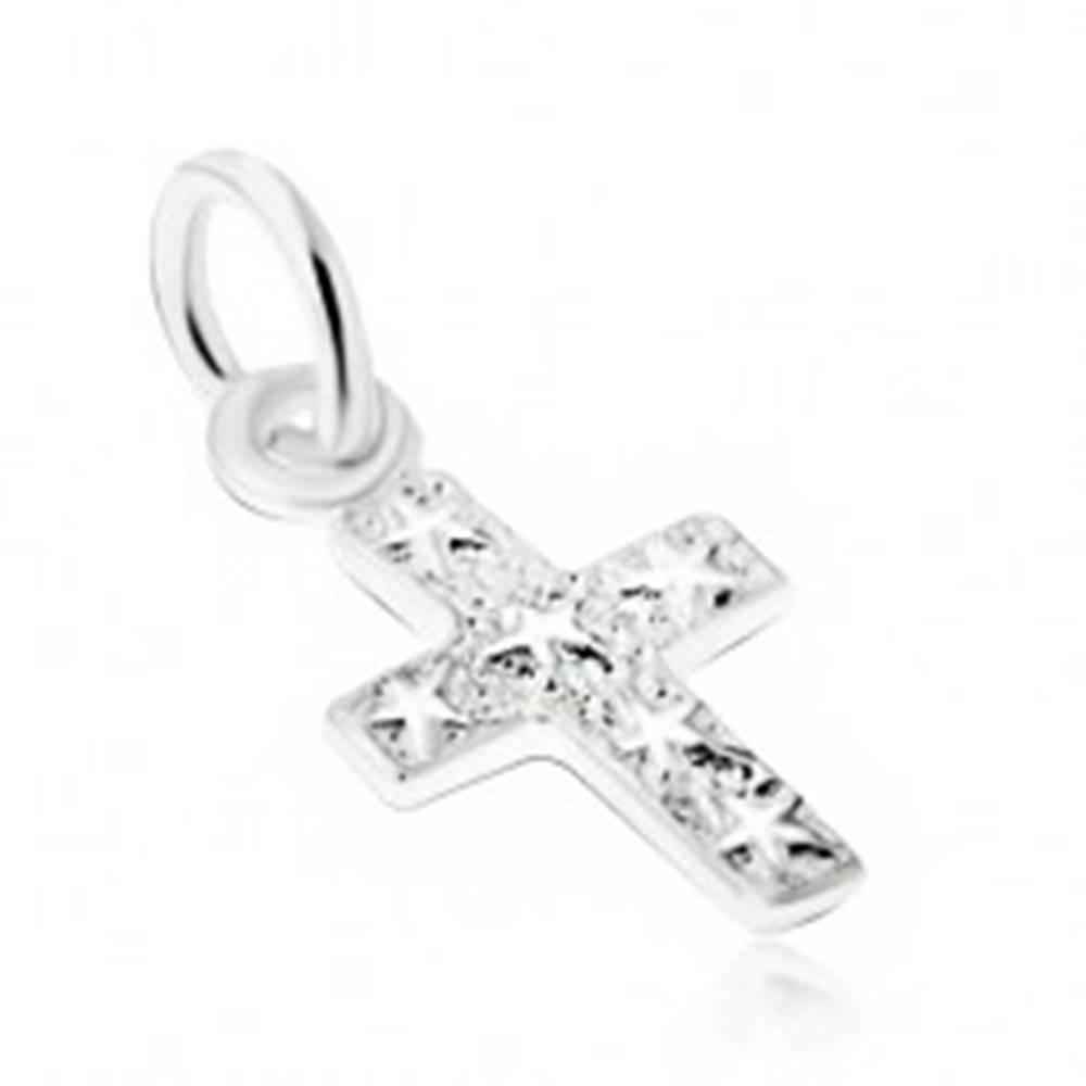 Šperky eshop Strieborný 925 prívesok, gravírovaný kríž s hviezdami na povrchu
