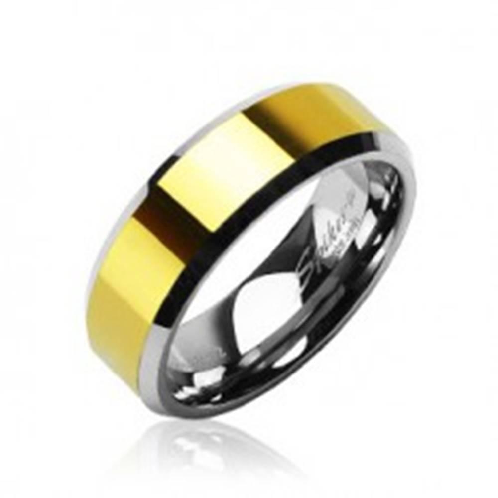 Šperky eshop Tungstenová - Wolfrámová obrúčka stred zlatej farby - Veľkosť: 49 mm