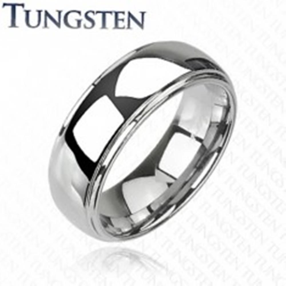 Šperky eshop Tungstenový - Wolfrámový prsteň lesklý s vyvýšeným stredom - Veľkosť: 59 mm