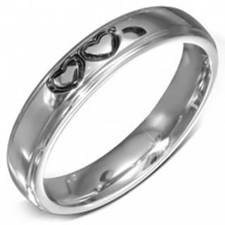 Lesklý oceľový prsteň - hladká obrúčka s dvoma spojenými srdciami - Veľkosť: 49 mm
