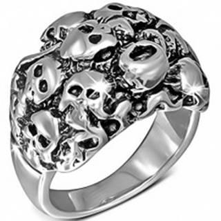 Lesklý oceľový prsteň striebornej farby - zhluk lebiek - Veľkosť: 54 mm