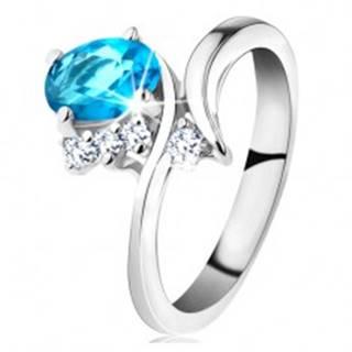 Lesklý prsteň v striebornej farbe, oválny akvamarínový zirkón, úzke ramená - Veľkosť: 48 mm