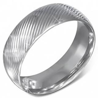 Oceľová obrúčka striebornej farby so šikmými zárezmi  - Veľkosť: 54 mm