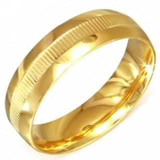 Prsteň zlatej farby z chirurgickej ocele s vrúbkovaným pásom - Veľkosť: 55 mm